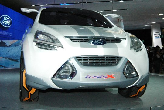ford iosis x (2)