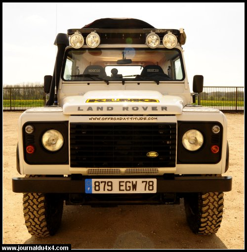 land-rover-110-14.jpg