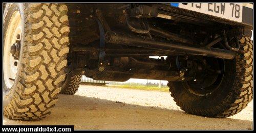 land-rover-110-16.jpg
