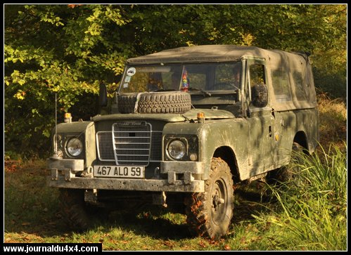 109 Diesel SIII ex-armée 24v bâché Année 1980 Provenance : armée hollandaise (véhicule radio)