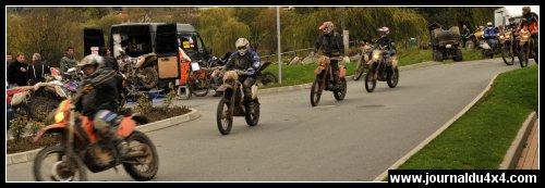 MOTOS-raid-bleu-__11-01-08_449-.jpg