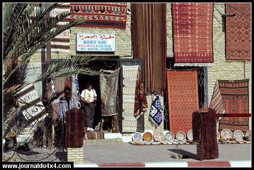 tunisie-souk-tapis.jpg