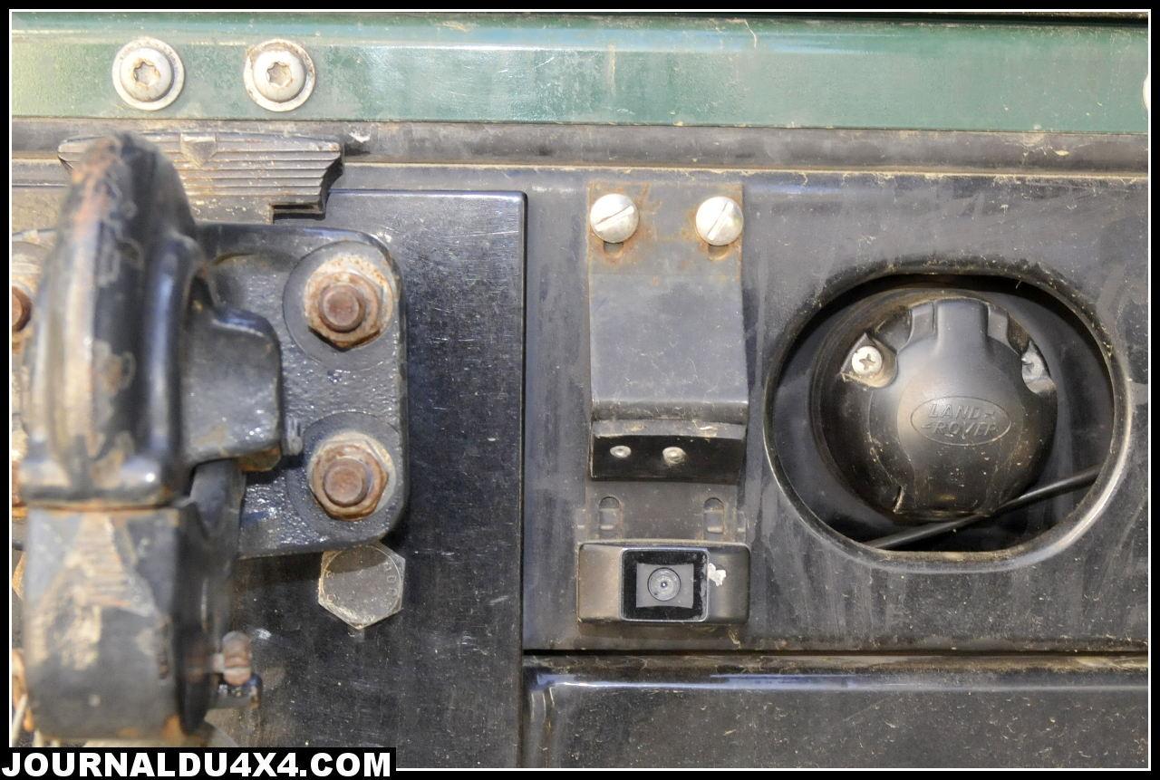 Defender-110_camera-recul.jpg