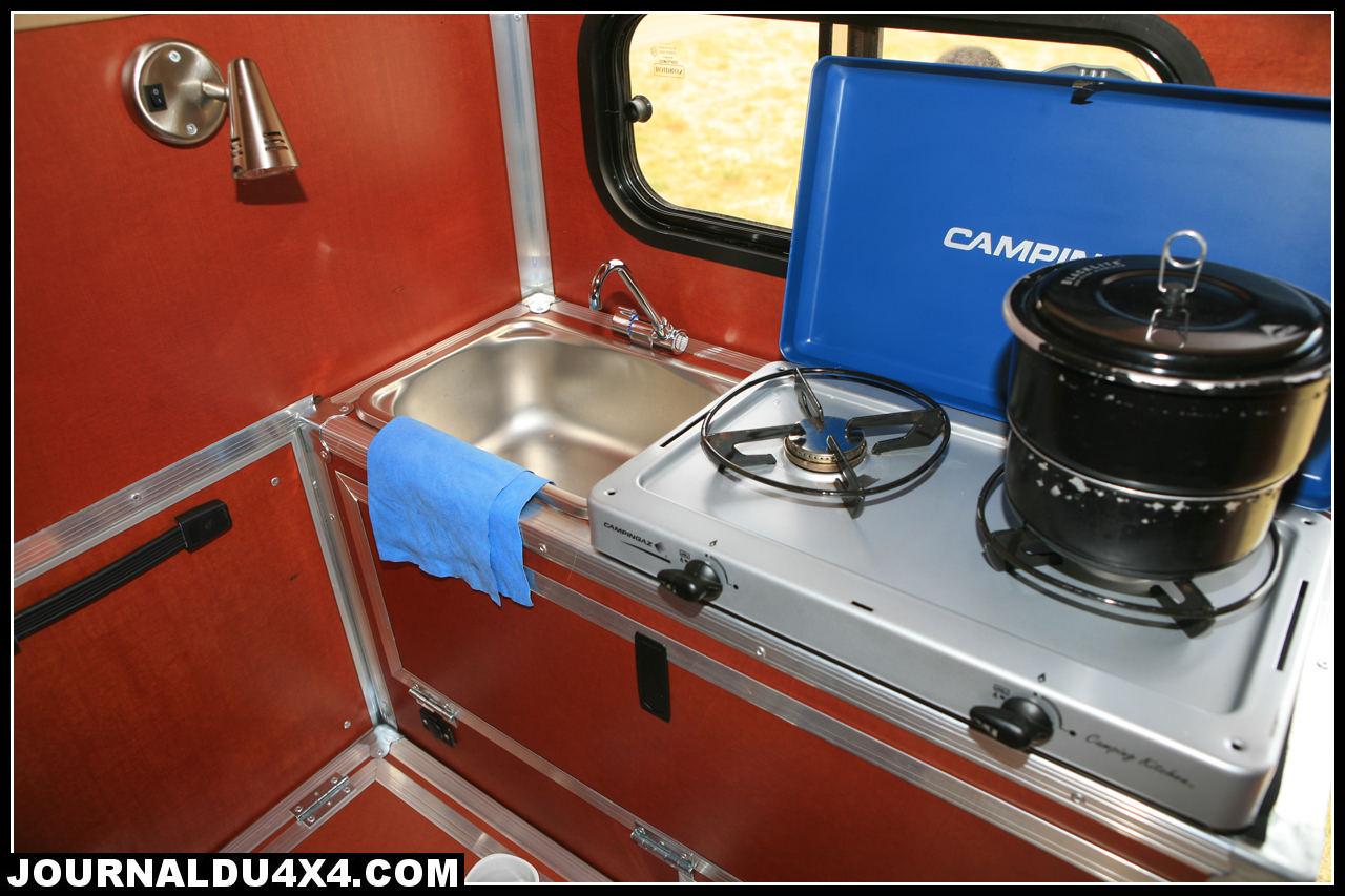 cellule-4x4-globe-camper-09.jpg