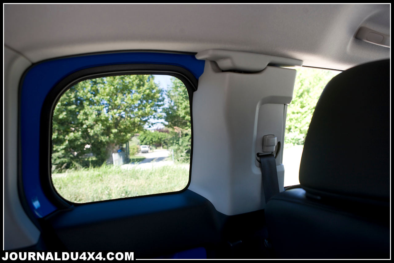 interieur-fjcruiser.jpg