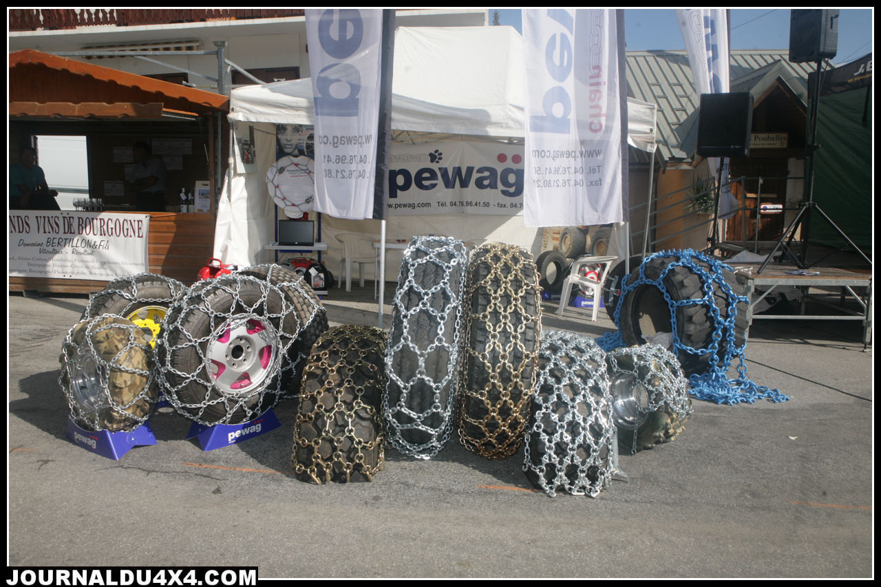 chaines-neige-4x4-pewag.jpg