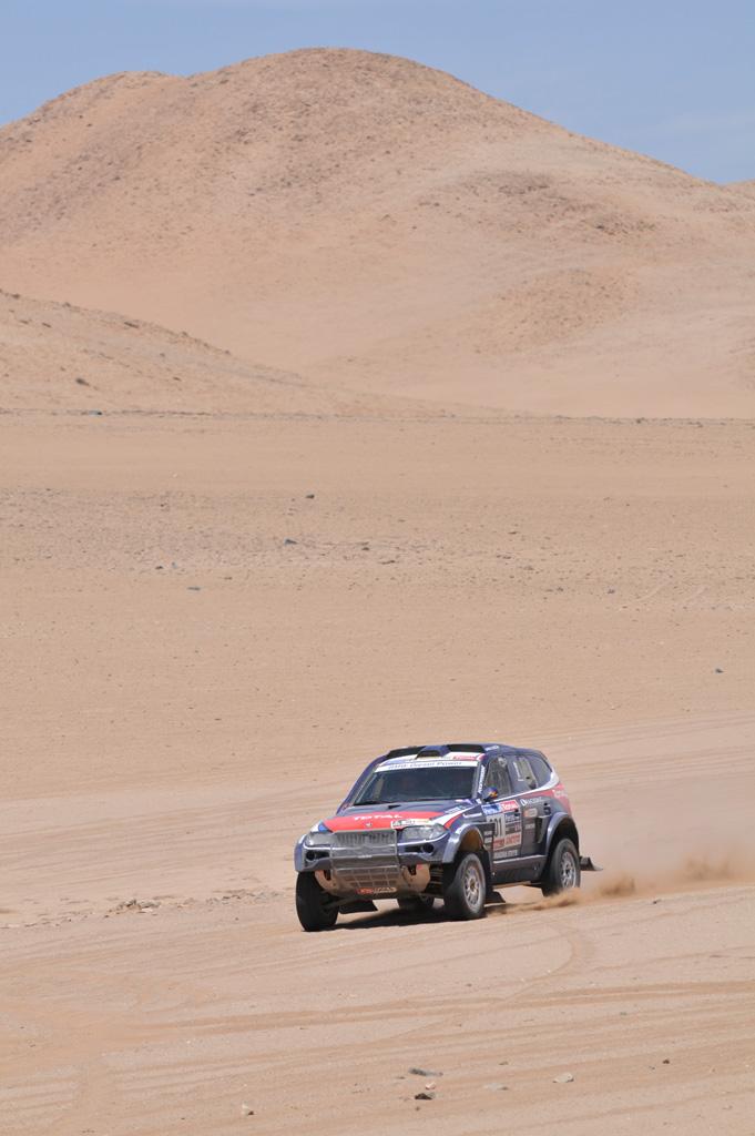 DAKAR_BMW_Peter_Atacama.jpg