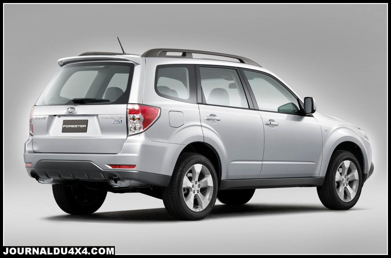 Forester_2.0D_XS_Outdoor_arriere.jpg