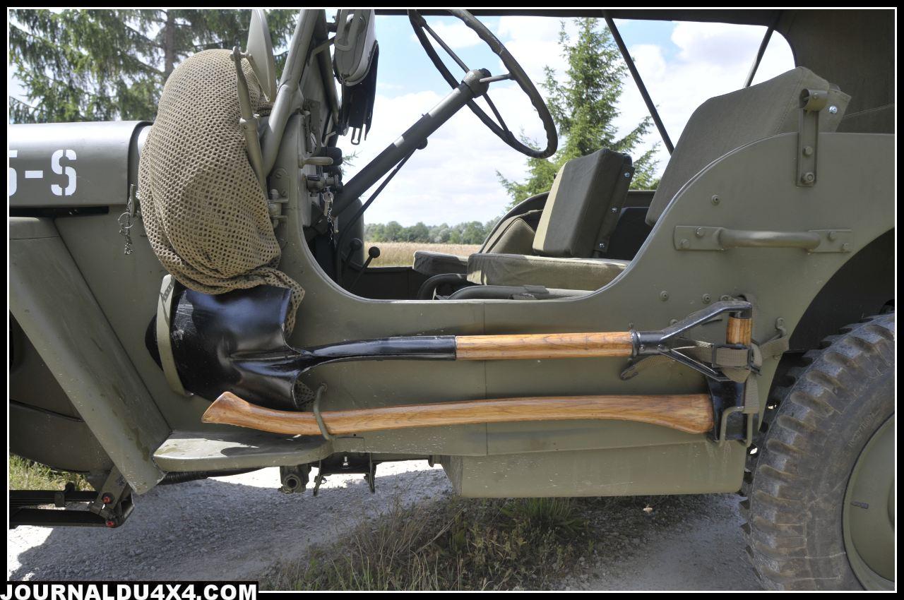 pelle-pioche-jeep.jpg