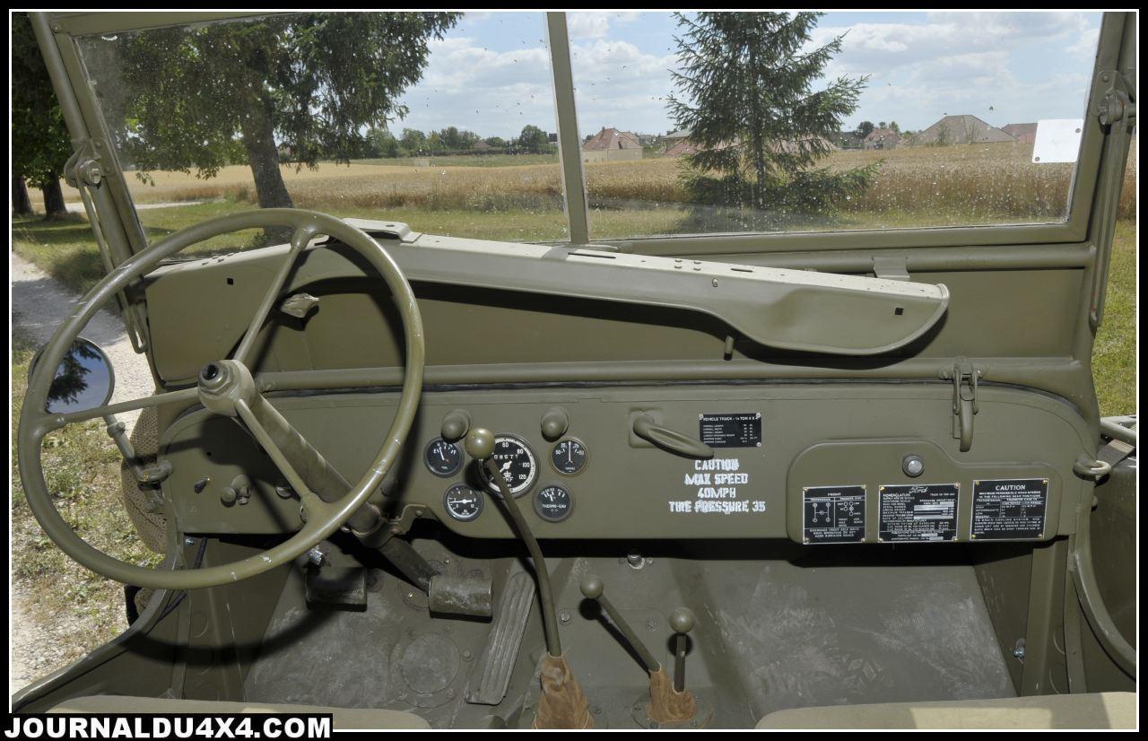 poste-pilotage-jeep.jpg