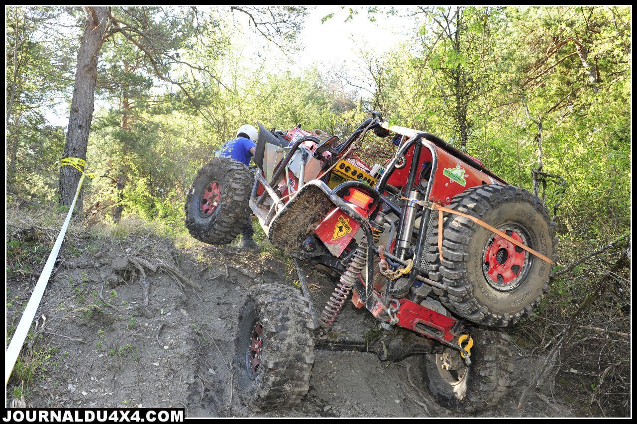 uk-jeep-rouge.jpg