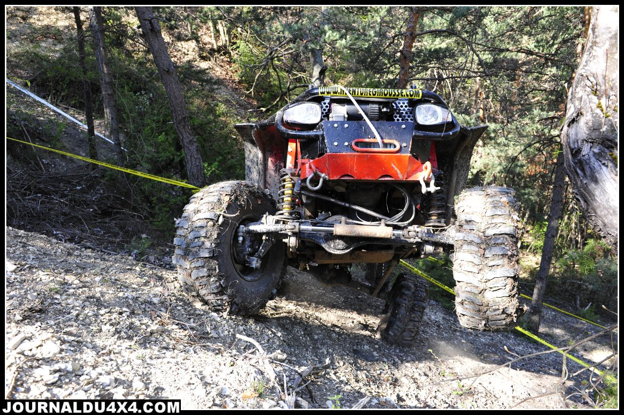 uk-jeep-rouge02.jpg