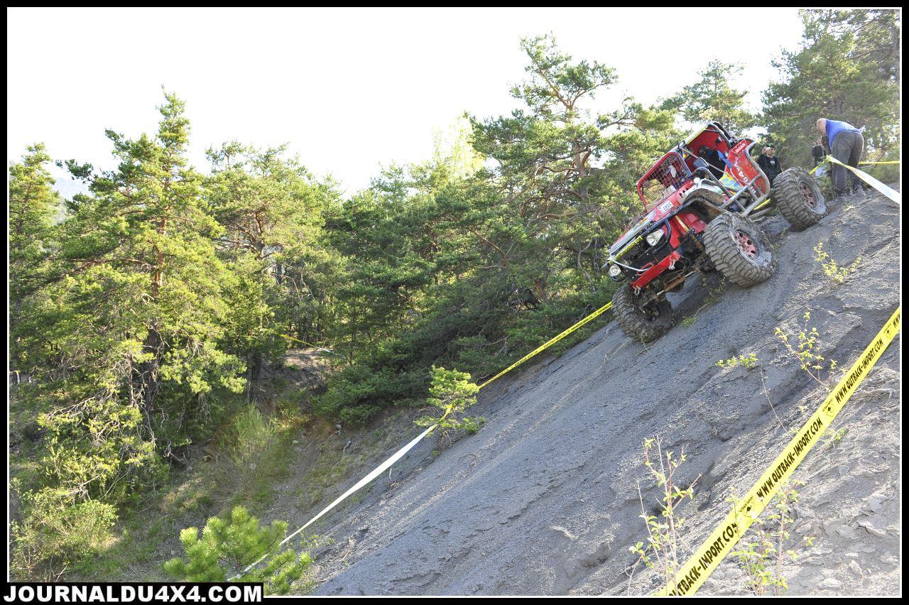 uk-jeep-rouge04.jpg