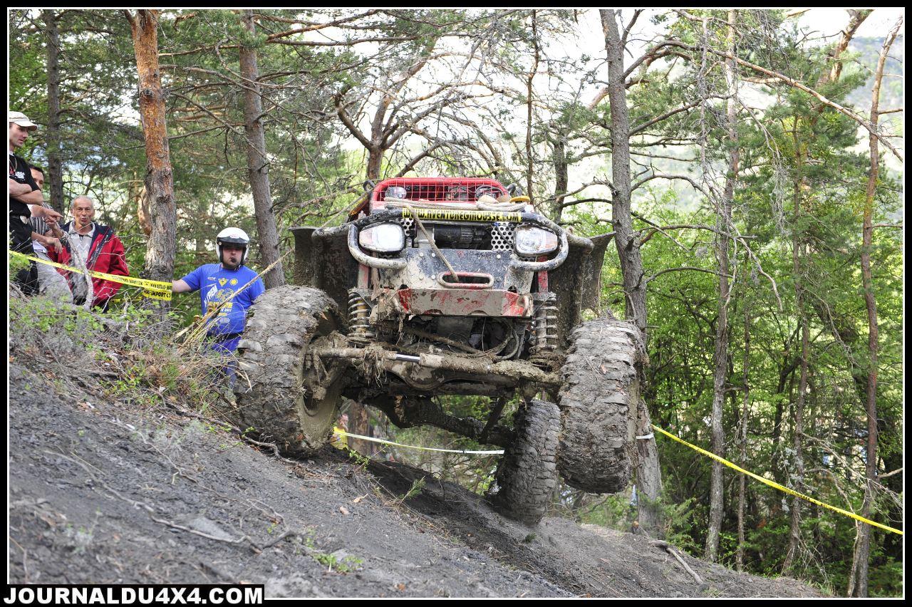uk-jeep-rouge05.jpg