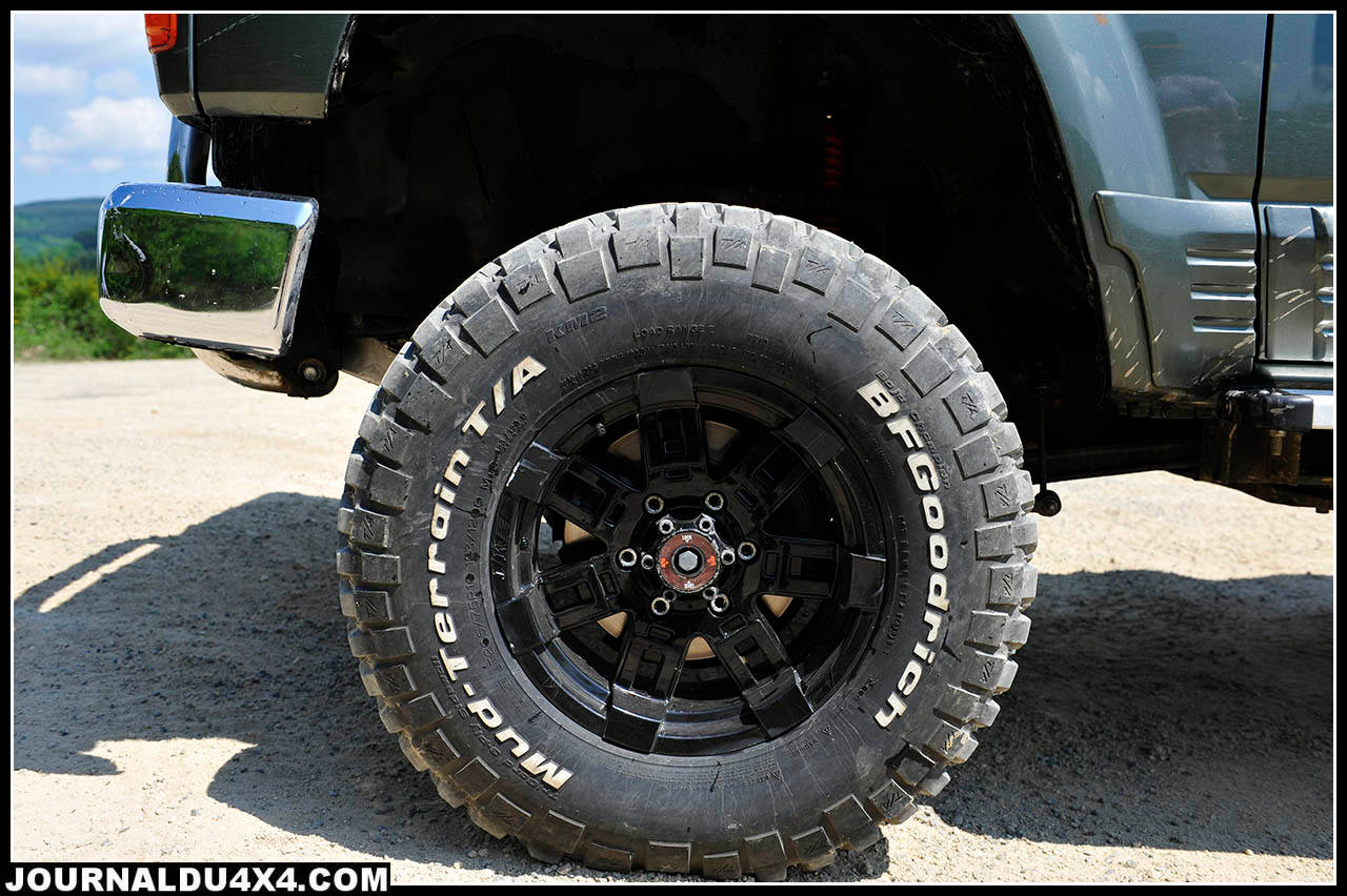 pneus-patrol-y60.jpg