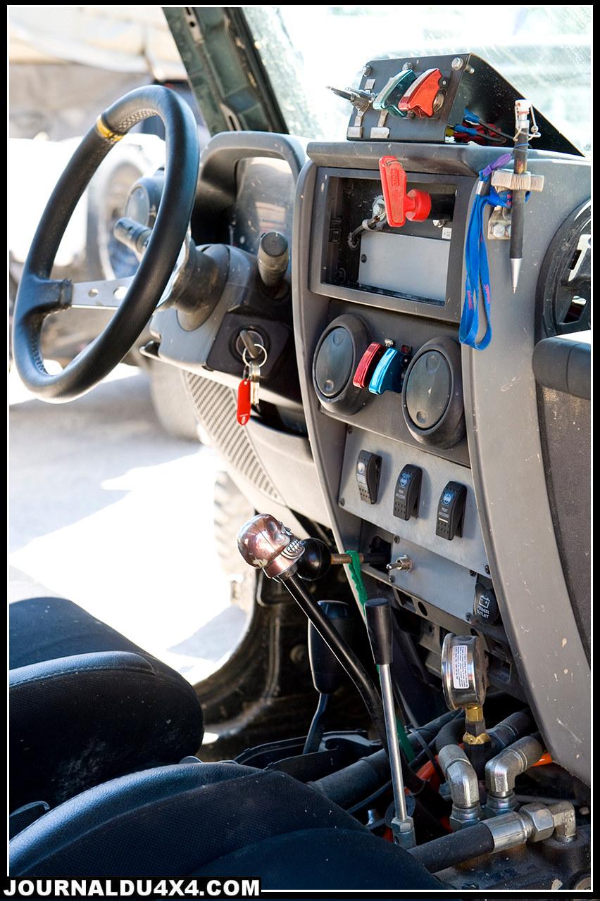 poste-pilotage-jeep-2.jpg