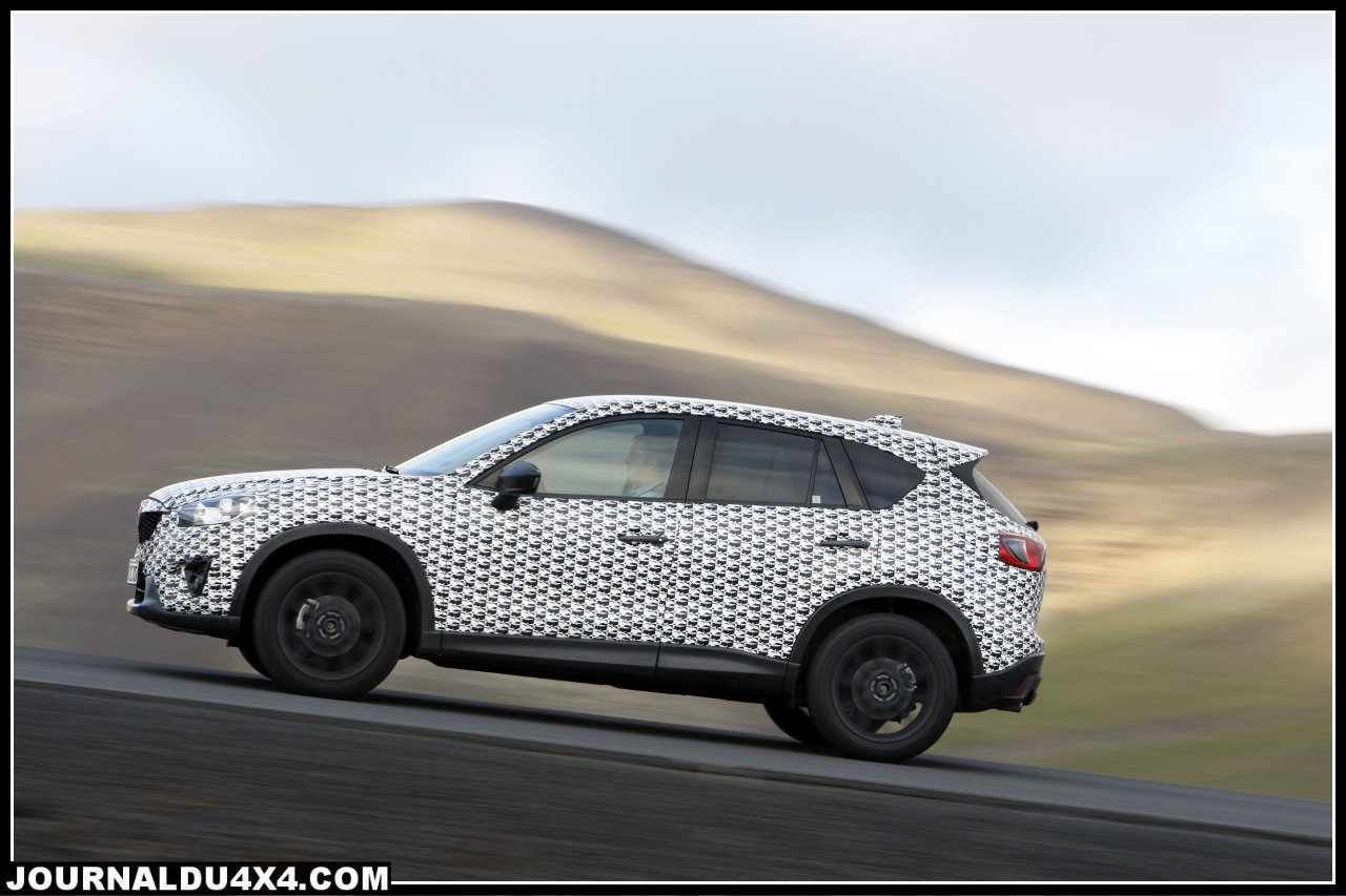 Mazda_CX5_Prot_2011_action_11__jpg300.jpg