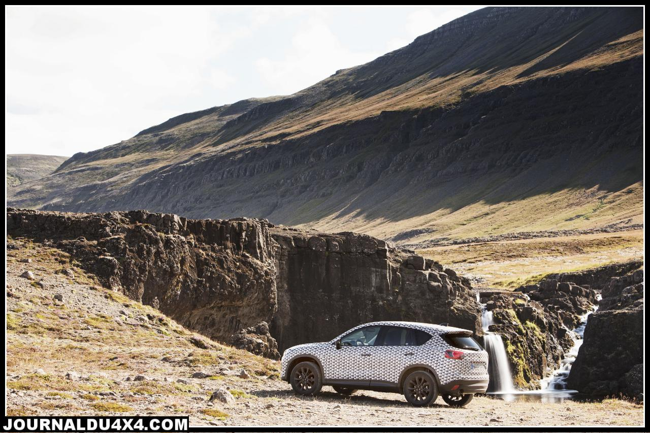 Mazda_CX5_Prot_2011_still_01__jpg300.jpg