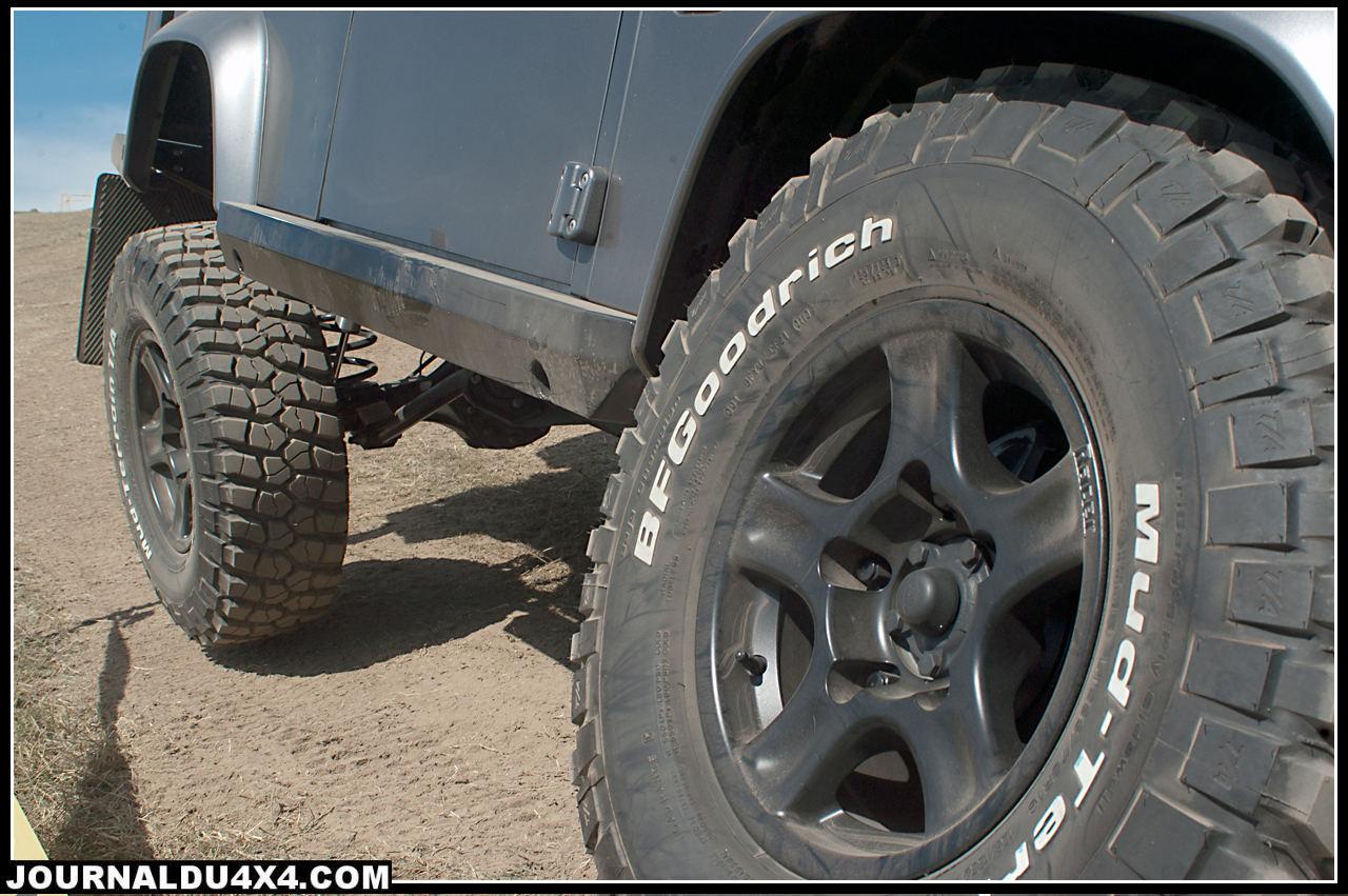 pneus MUD TT 285 75 x16 sur jantes Racer 8x16