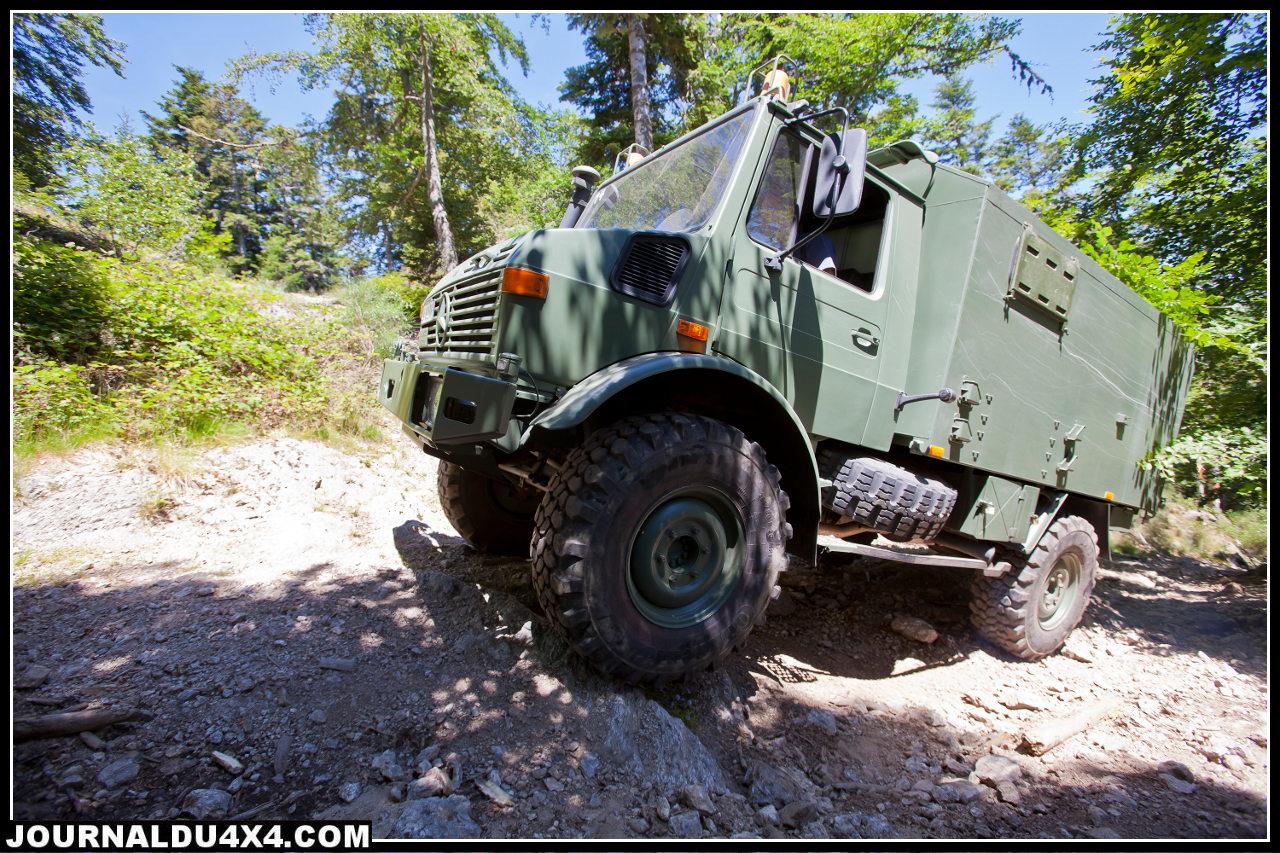 unimog-ambulance.jpg