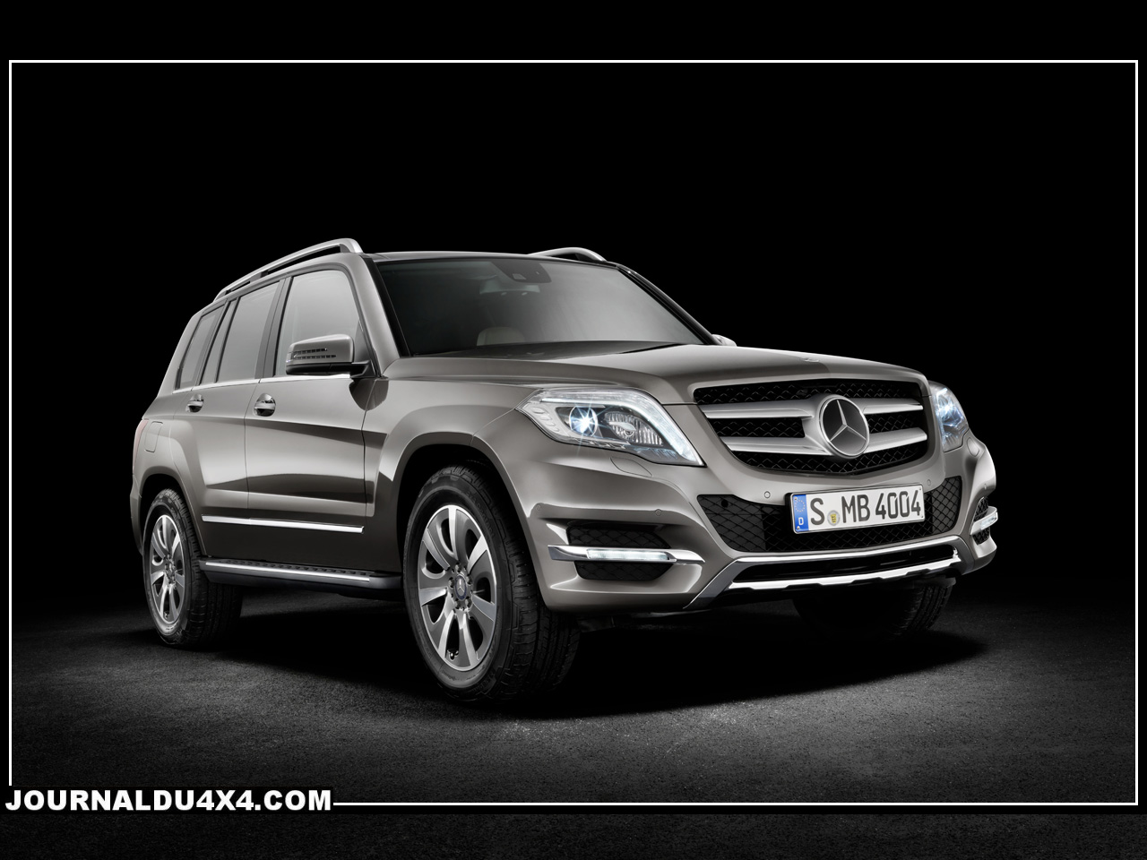 nouveau glk mercedes 2012 magazine 4x4 suv. Black Bedroom Furniture Sets. Home Design Ideas