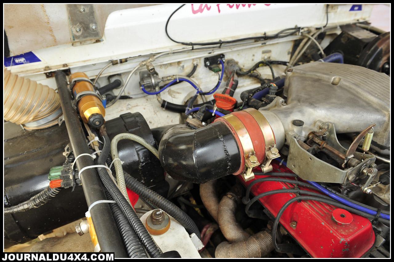 Une fois révisé, le V8 reçoit un nouveau faisceau, une nouvelle connectique, un pot d'échappement et un Schnorkel neuf.