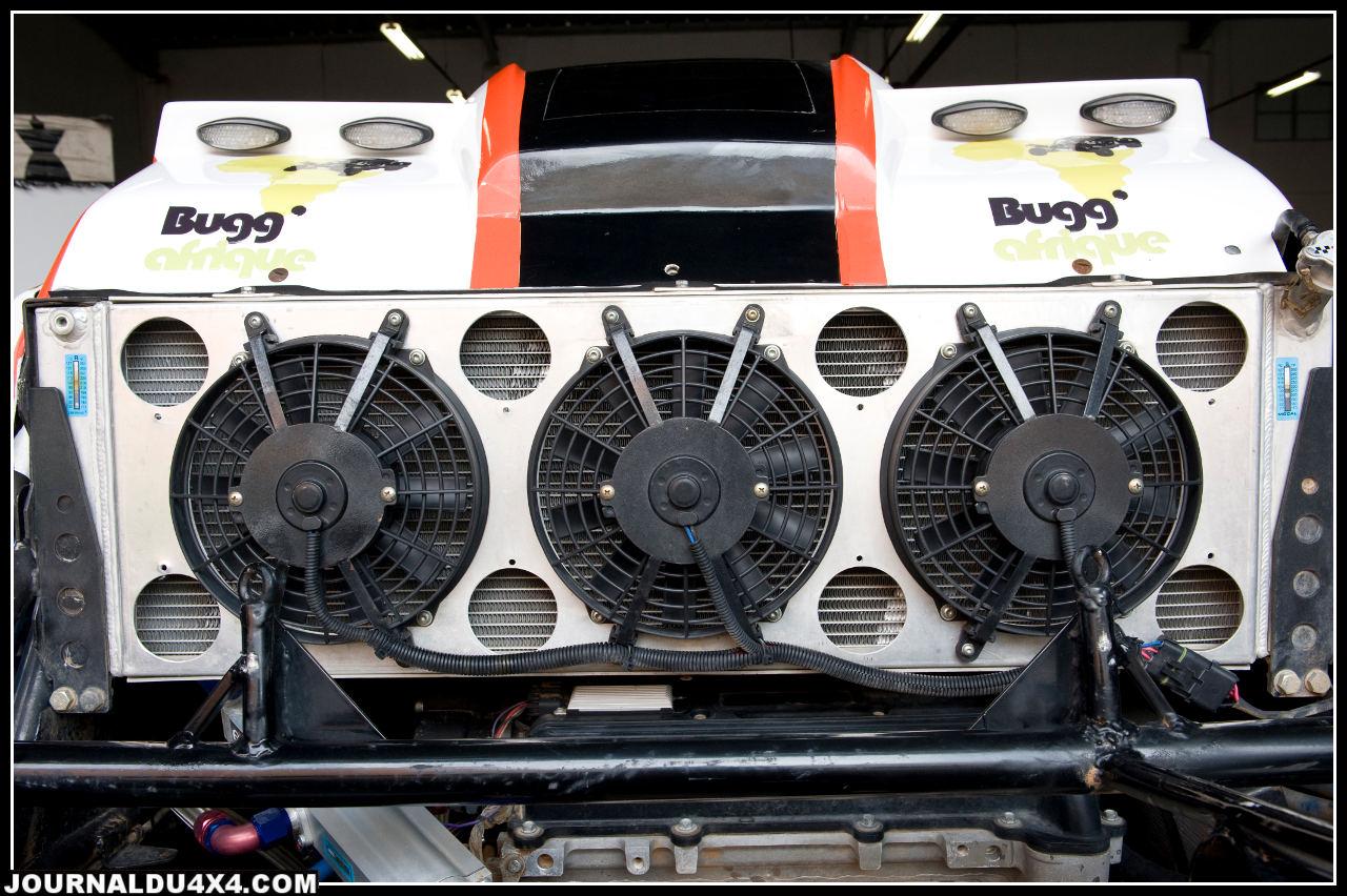 Radiateur de grande capacité, refroidi par trois ventilateurs de 23cm de diamètre