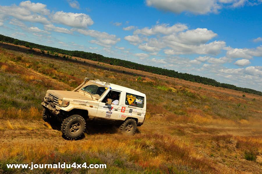Sur le camp de Drawsko, le Breslau prend toujours une autre dimension ; Celles des pistes roulantes, dignent d'un Rallye raid.