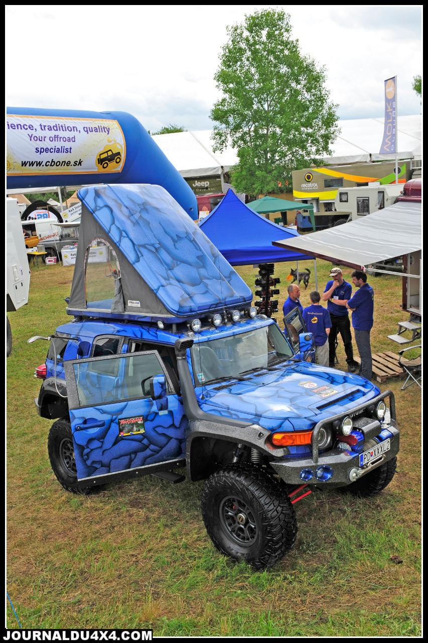 Du coté de la Slovaquie la société Cbone propose des préparations qui ne passent pas inaperçues. Du FJ Cruiser bleu électrique au Tundra 5,7L V8 les tarifs sont étonnants. Le pick up US et sa cellule sont affichés à 49 000€.