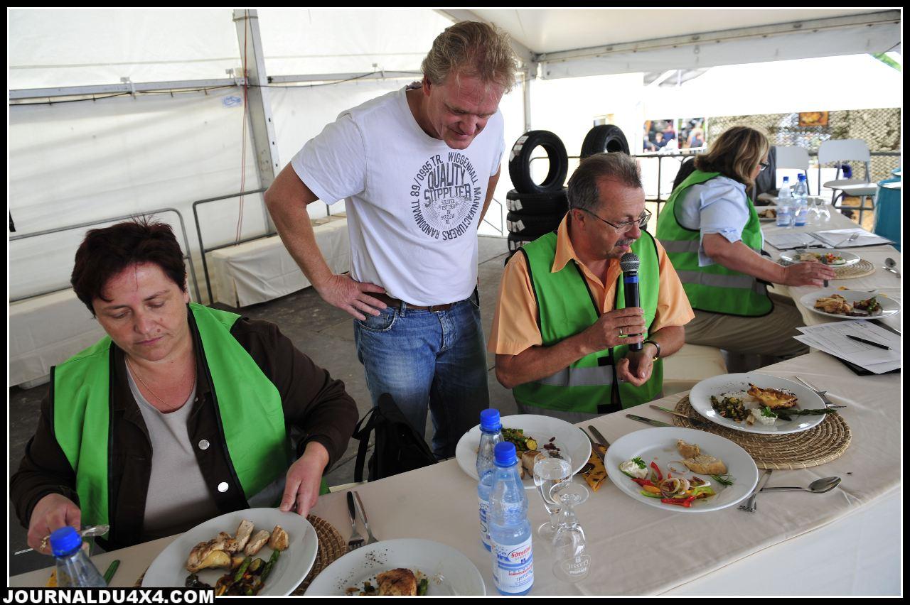 Concours de cuisine d'extérieur à Bad kissingen. Les  Masterchef en vadrouille s'en sont donnés à cœur joie pour convaincre le jury. Le matériel dédié était présent sur presque tous les stands.