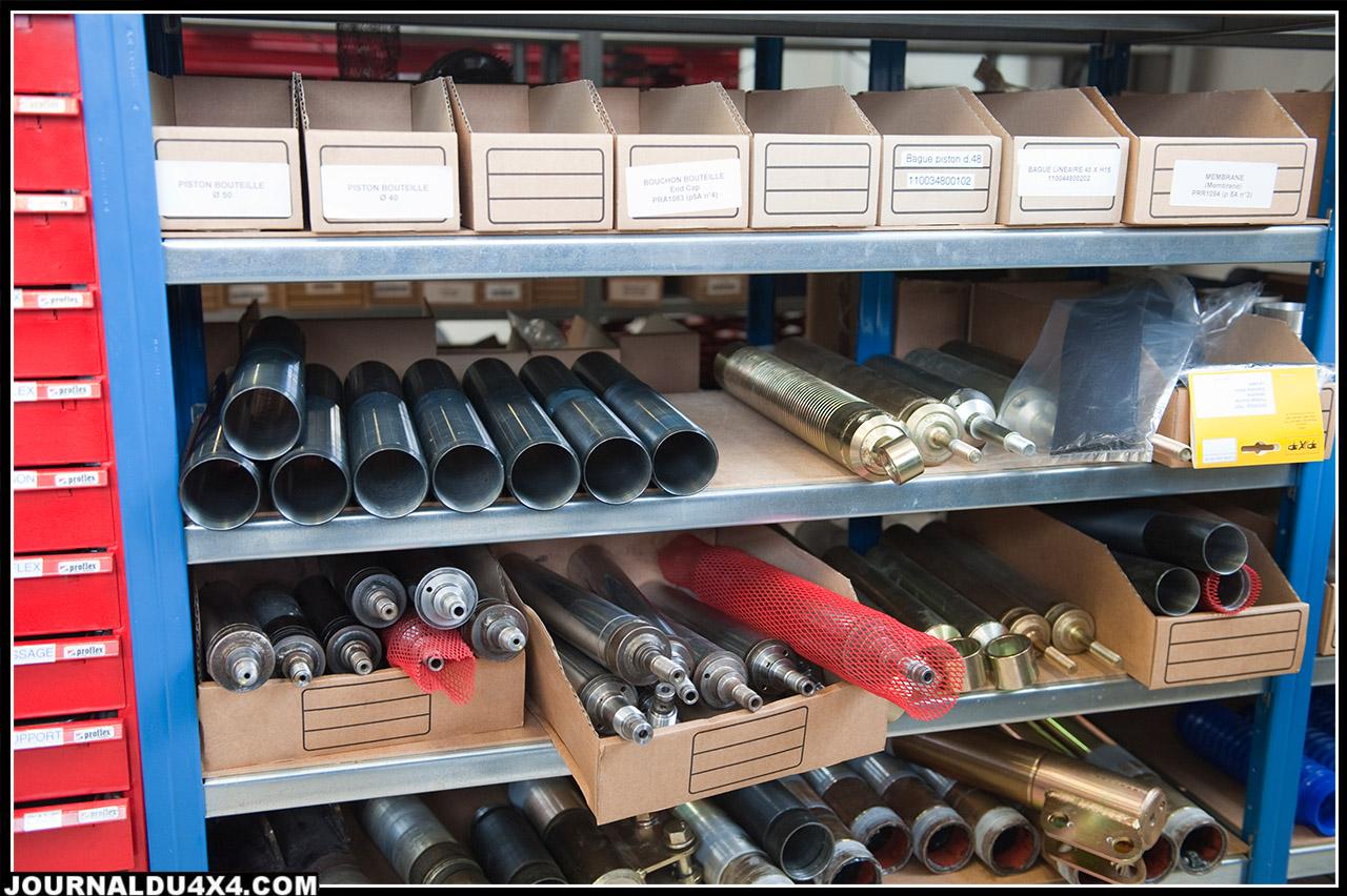 pour assembler un amortisseur, Performance puise dans son stock de pièces détachées