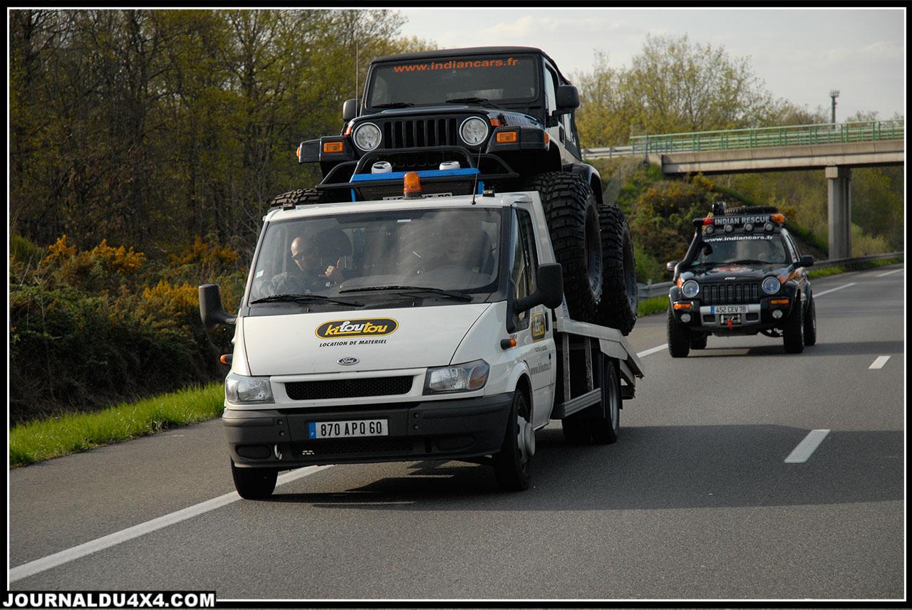 En France, pas question d'essais sur route. La législation est ainsi…Il suffirait pourtant de plaque Anglaise pour éviter de faire souffrir les vaillants plateaux Kiloutou!