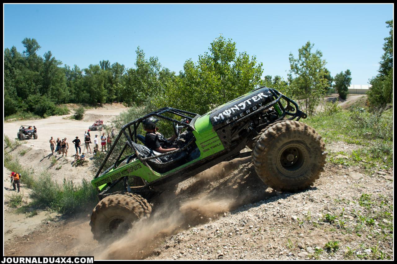 Christophe Bouzon Motorsports est venu présenter et faire le show avec un prototype de Jeep façon oldschool avec ressorts à lames et gros V8 à carbu.