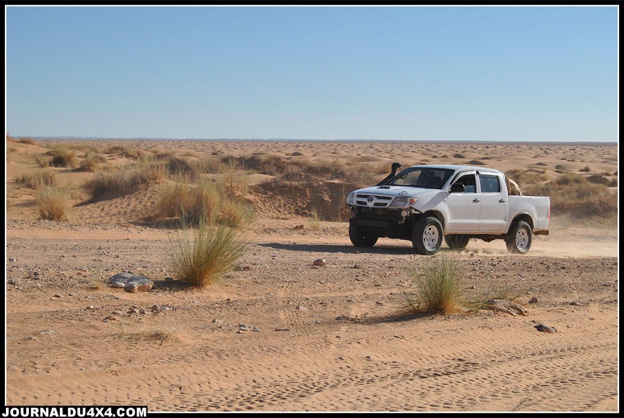 nous croiserons de nombreux pick-up, ce sont ceux des guides tunisiens pour les groupes de 4x4