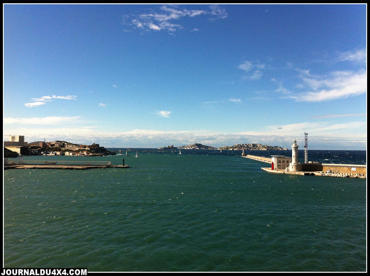 la sortie du port de Marseille lors de notre départ le 27 octobre