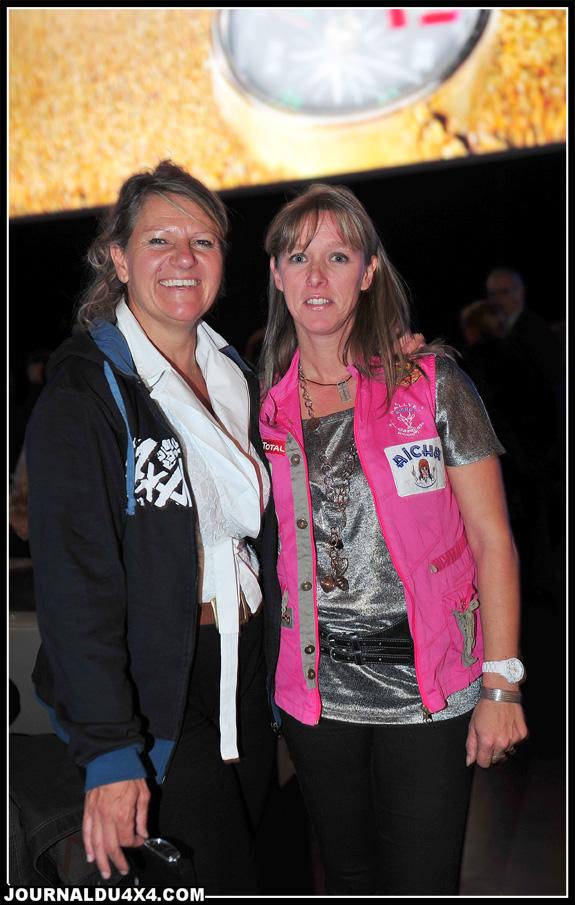 Françoise Graciet (www.euro4x4parts.com) avec une gazelle :Sylvie Freches, la navigatrice de Cathy Blanchet-Perette, de l'équipage Euro4x4parts qui a remporté la 7e place au général l'an dernier