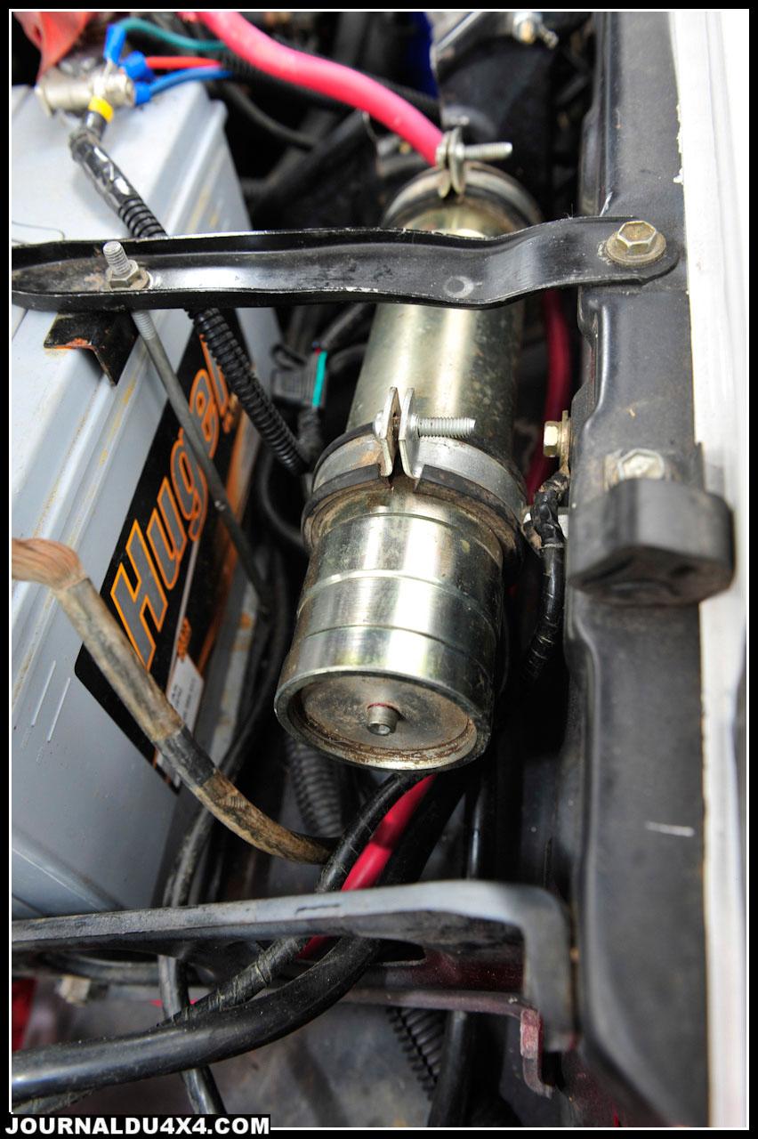 Les amortisseurs Proflex à bonbonnes séparées et les ressorts STRS font partie des éléments de l' ex Toyota de Yamina. Ces  premiers révisés, ils reprennent du service sans problèmes. Les ancrages supérieurs ont été en revanche revus et corrigés par Claude et Nikolas.