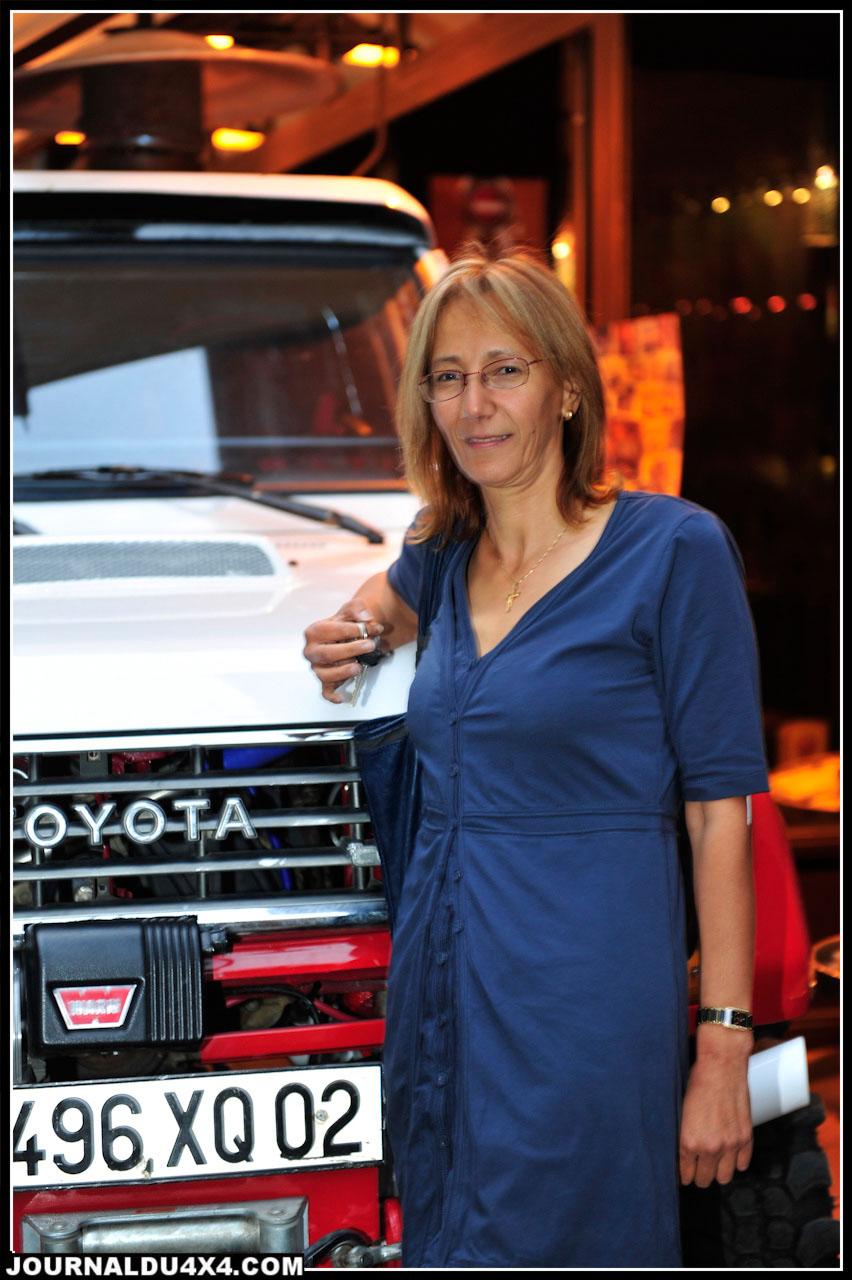 """Yamina  rêvait du Rallye des Gazelles depuis 20 ans. Ayant participé deux fois à cette épreuve, un peu trop """"bling bling"""" selon elle, elle chercha ensuite à participer à un rallye 100% off road pur et dur…Ce fut le Breslau 2010. Une autre histoire…"""