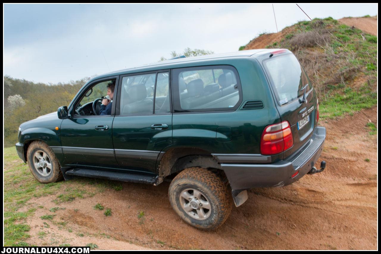 Qui a dit que le HDJ 100 était une voiture de pépère ?