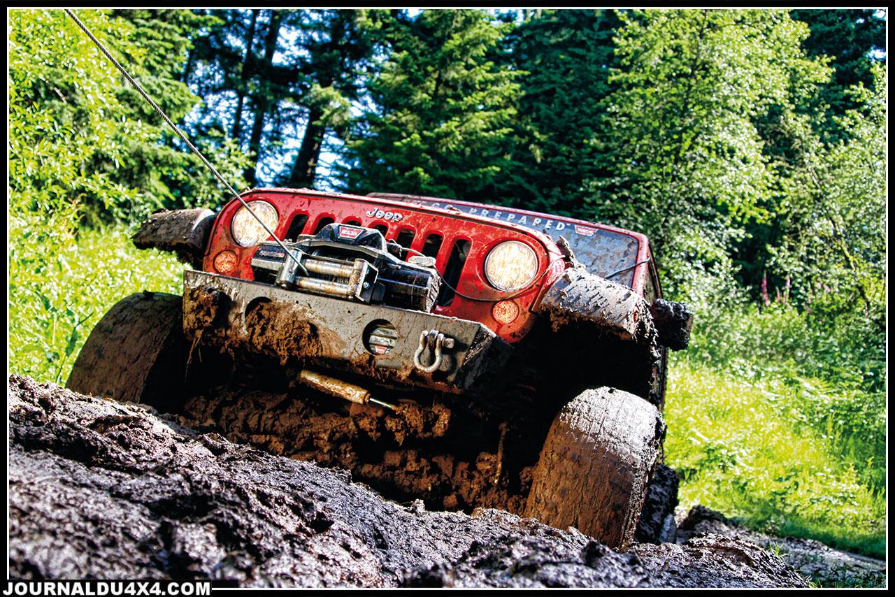 treuil warn zeon sur Jeep