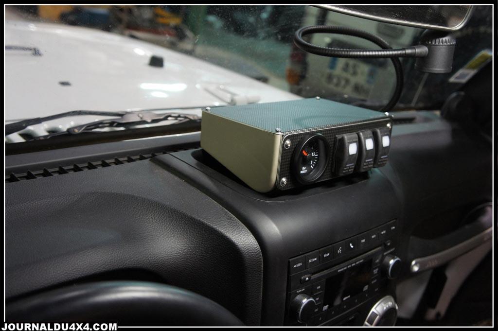 mini console sur une jeep jk 2012