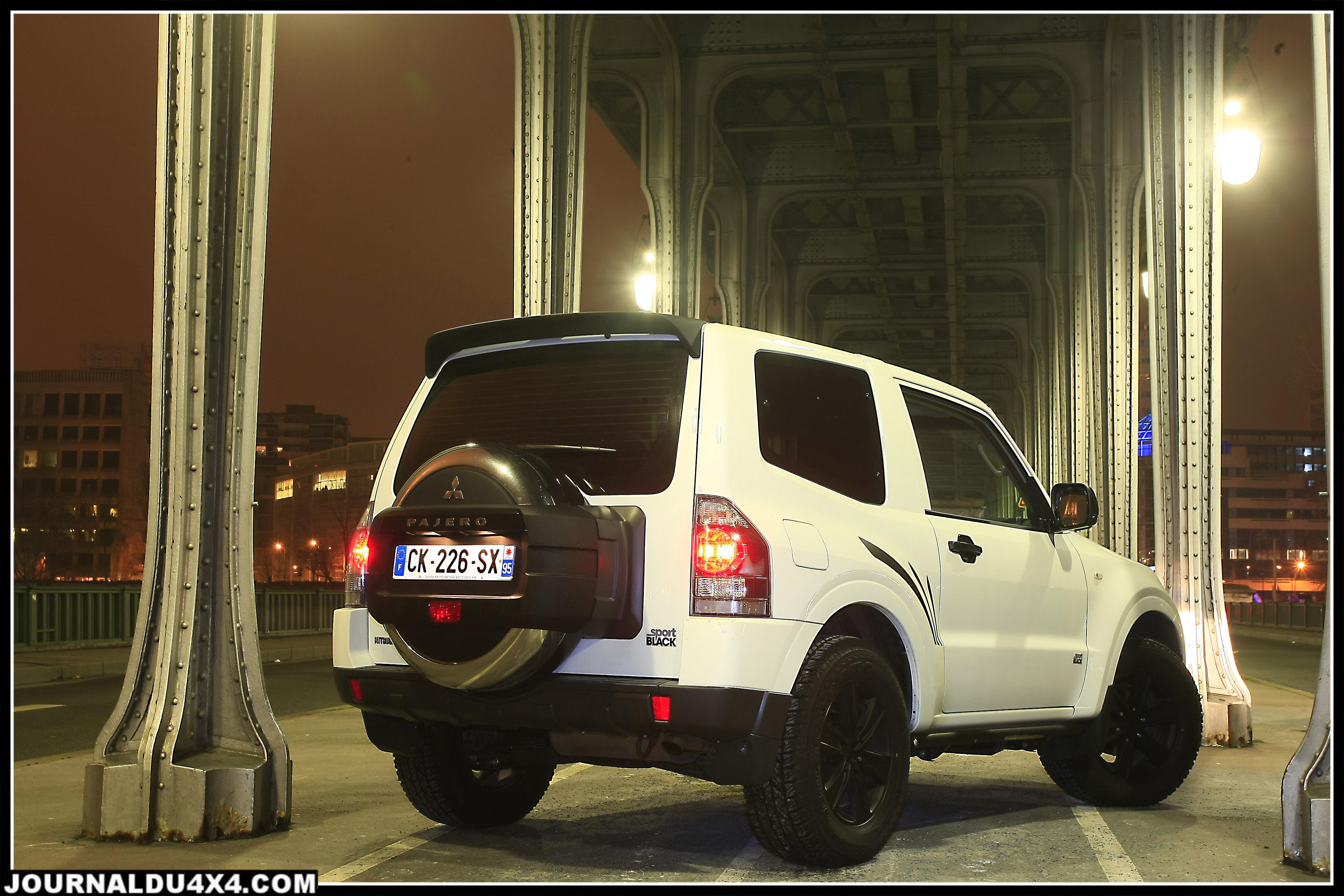 Mitsubishi_Pajero_sport-black.jpg
