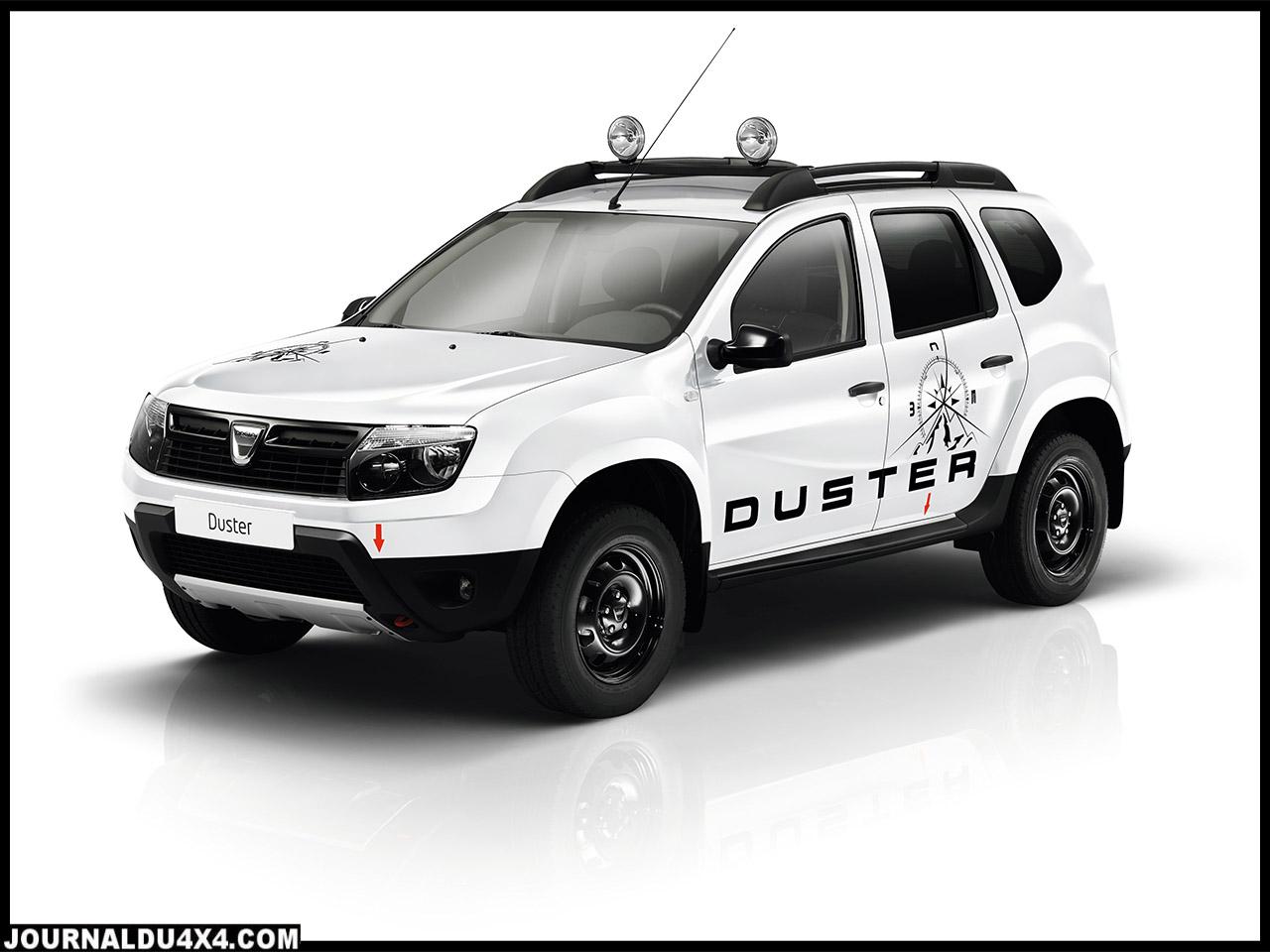 Duster Aventure est équipé d'antibrouillards et d'une rampe de feux3 amovible sur le toit qui permet une visibilité renforcée en toutes circonstances.