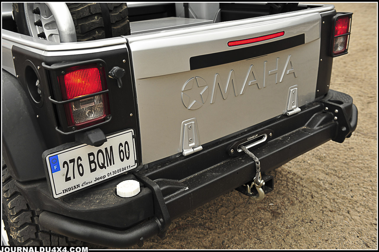 Finit la porte arrière et ses charnières latérales. Bravo pour ce hayon spécifique réservé à cette version Pick up Omaha!