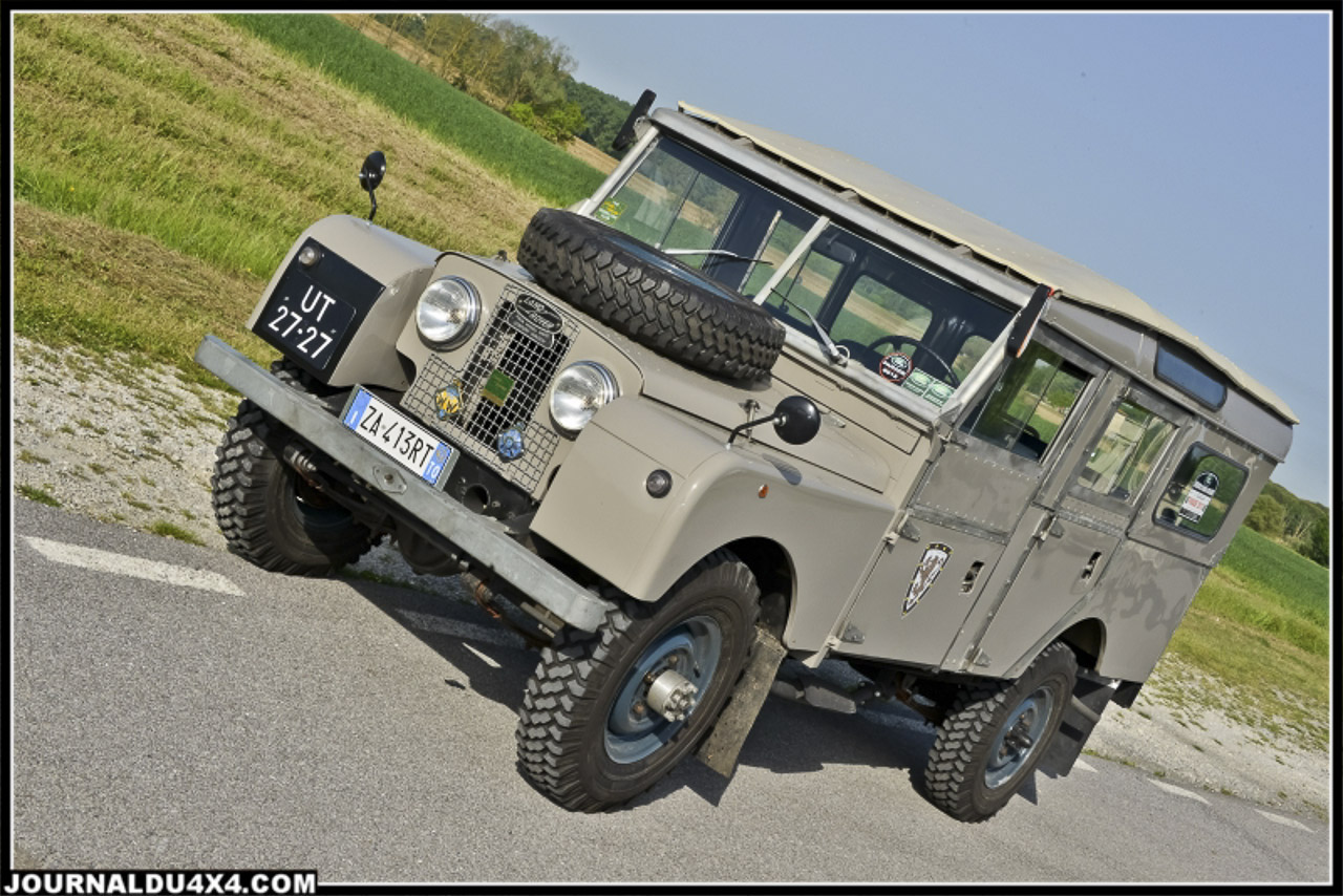 land_rover_parade-3201-2.jpg