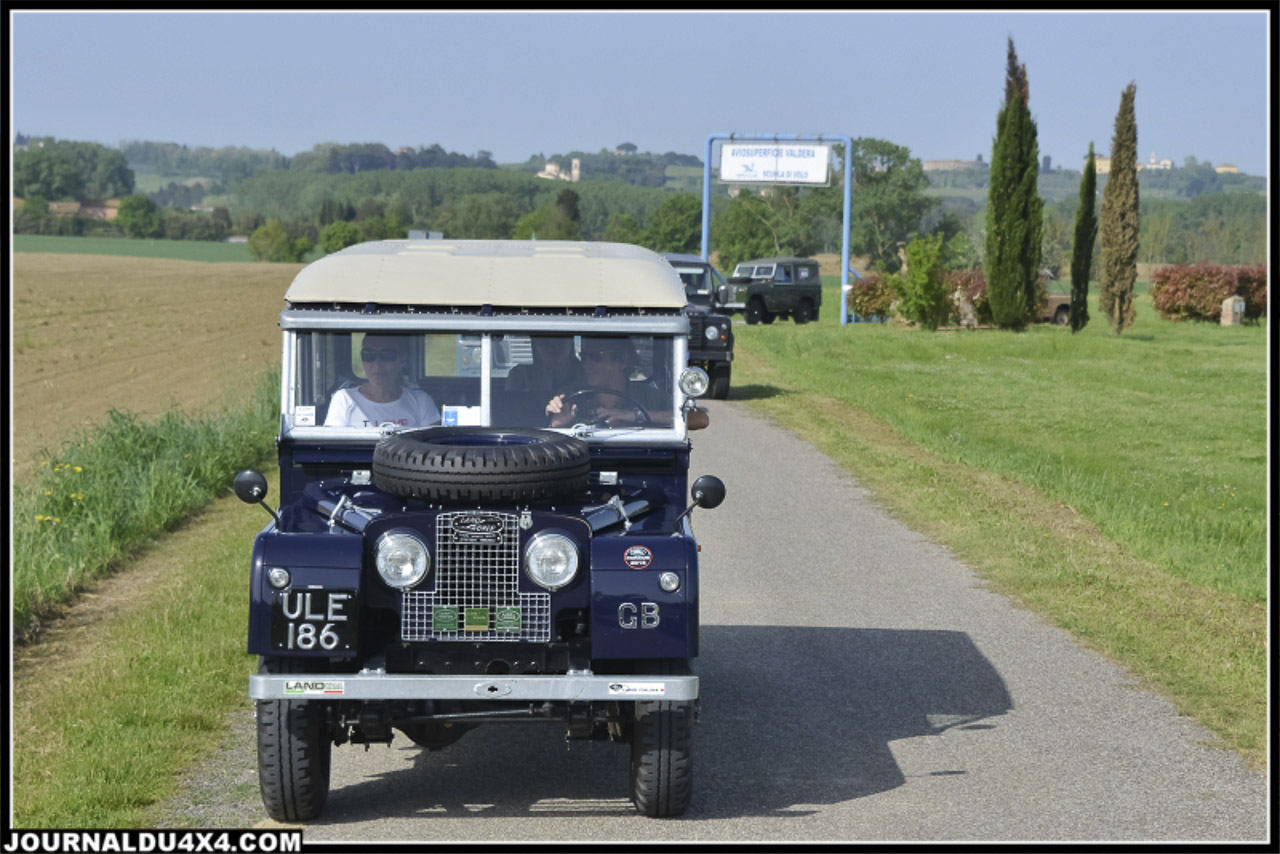 land_rover_parade-3271-2.jpg