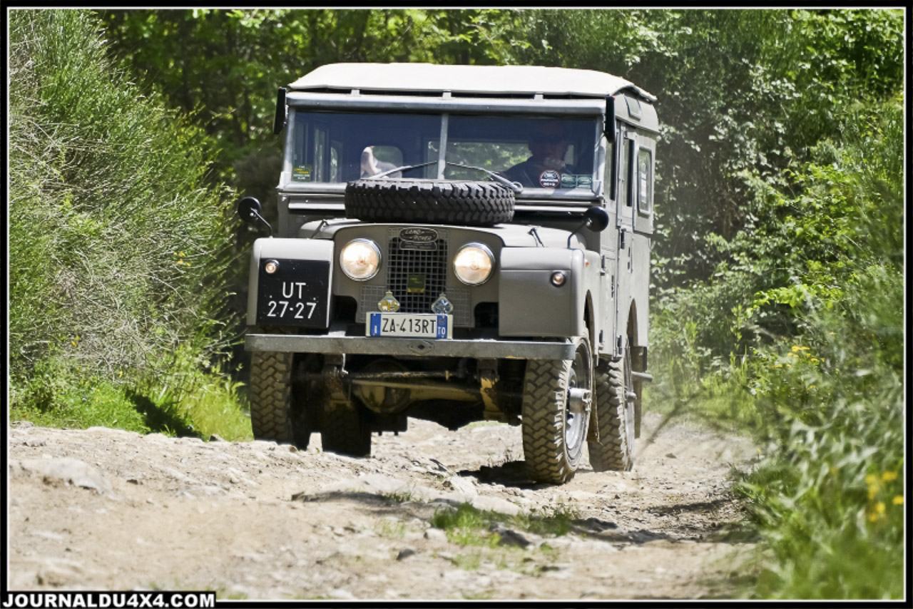 land_rover_parade-3664-2.jpg