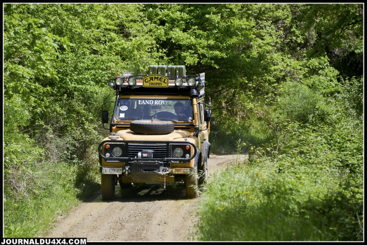 land_rover_parade-3669-2.jpg