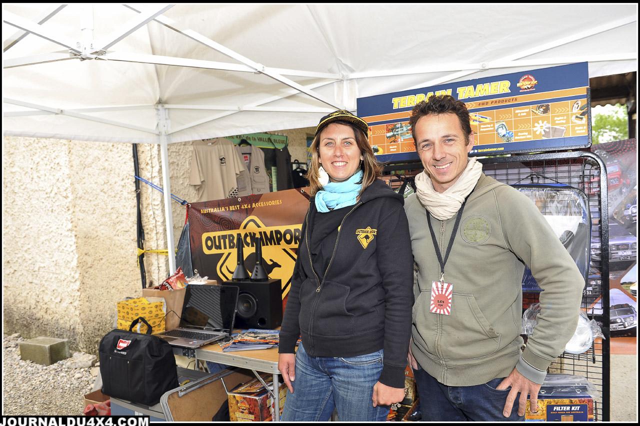 Gaelle Cremer d'Outback Import Jérémy Delio de Land Cruiser Store étaient aussi présents sur place