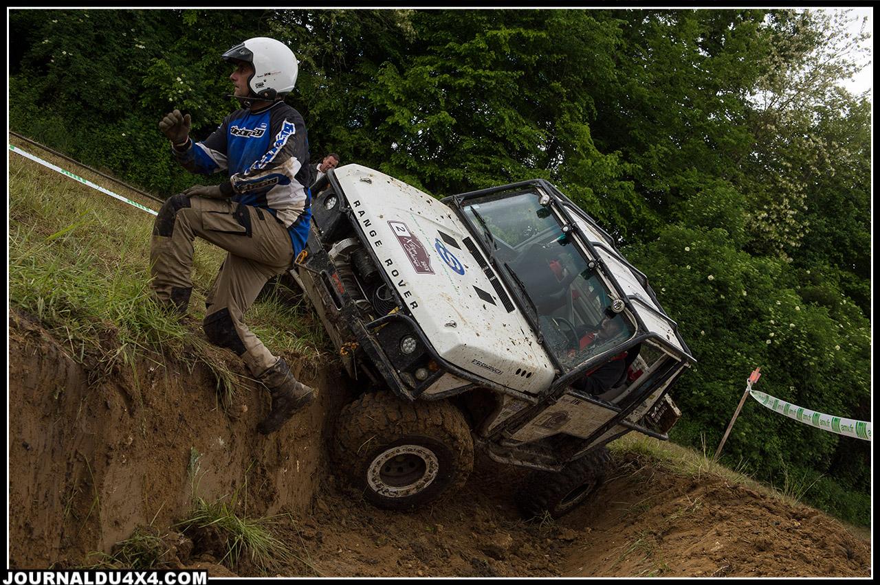9 JFM OFFROAD M Couderc et F Branqui 3171 pts Range Rover